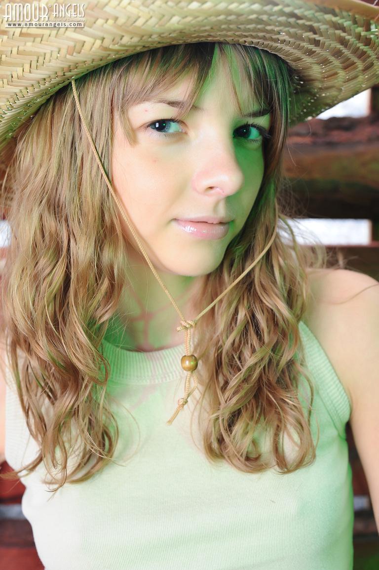 Hot sunny leone hd naked photo bobs