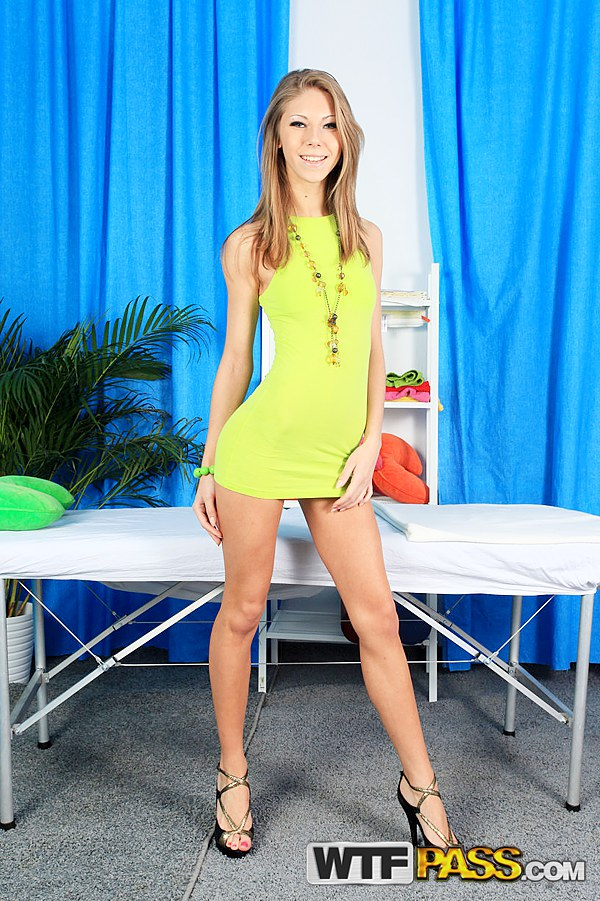 Younger gallery free :: Hot Nude Teen